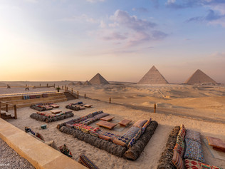 9 Pyramids Lounge