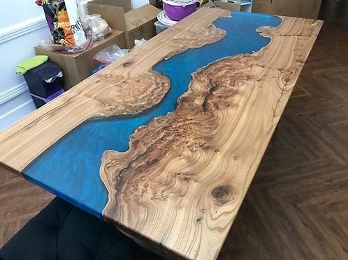 Стол река с перламутровой заливкой