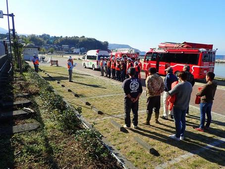 消防の方々と水難訓練
