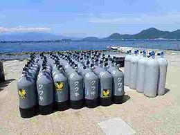 平沢マリンセンターのタンクはスチールとアルミ