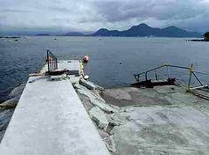 浮き桟橋と東側エントリースロープ