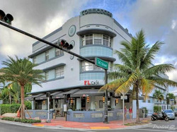 picture-uh=4dd4bb149aecff933261b66a01542b0-ps=88ce1b7c6077c2c6b016513eb14eb3-1360-Collins-Ave-Miami-