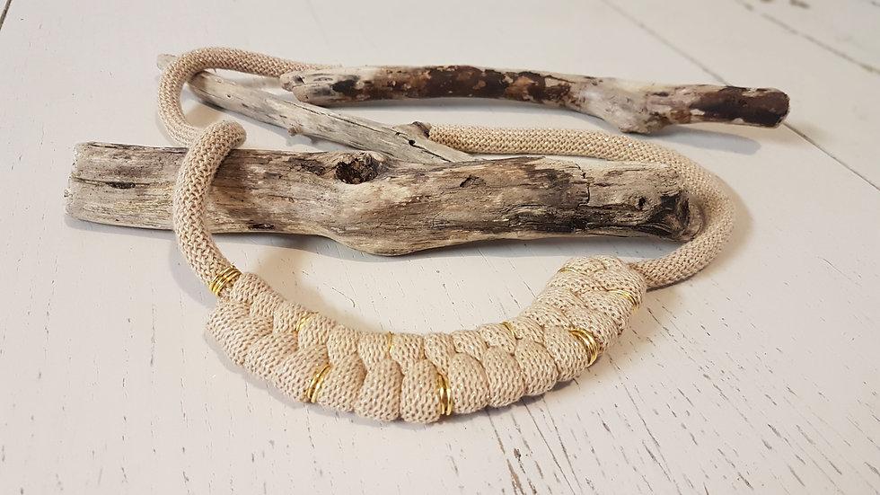 Serpentine Necklace Beige/ Gold