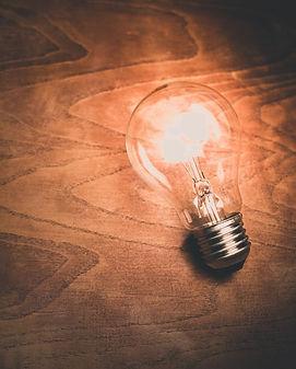 light-bulb-1246043_1920_edited.jpg