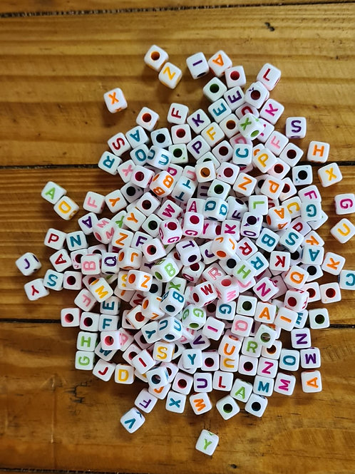 Mini letras collor cubo grande  100 gramas