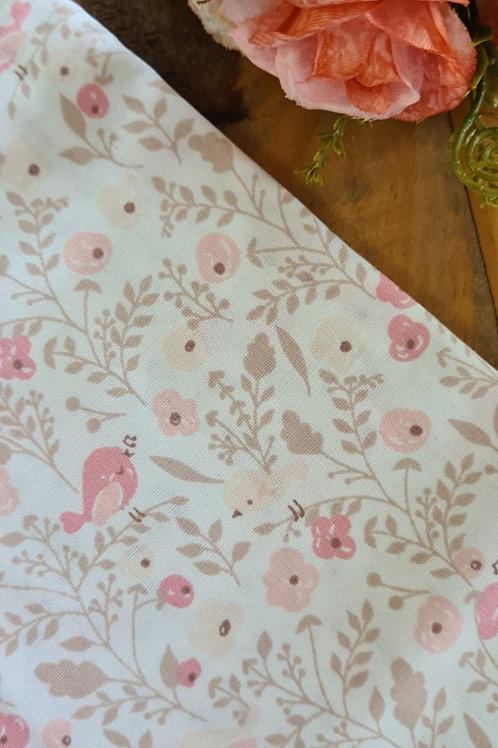Tecido passarinhos no jardim rosé