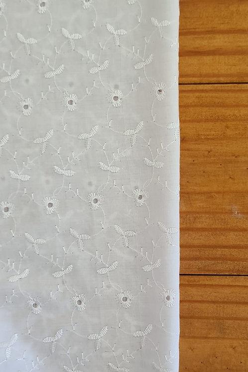 Tecido lese branco mini flores