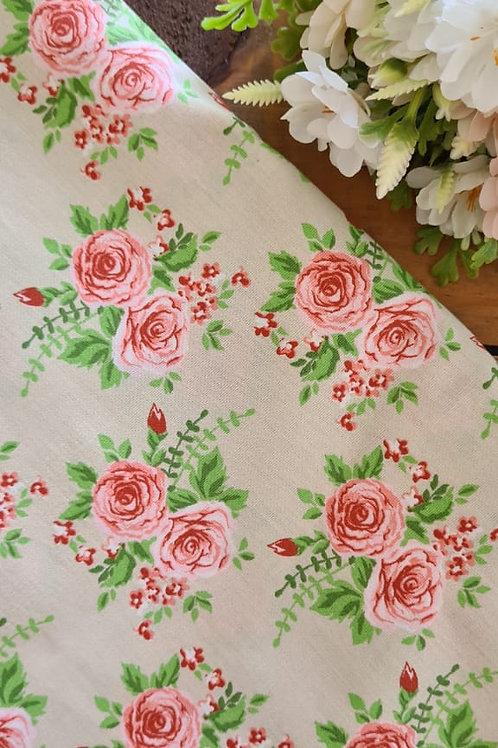 Tecido Rosa G - Fundo Creme - 04912
