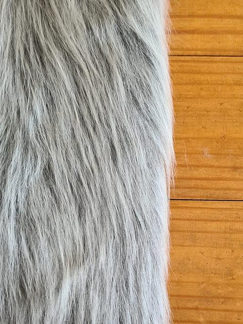 Pelúcia longa cinza mescla
