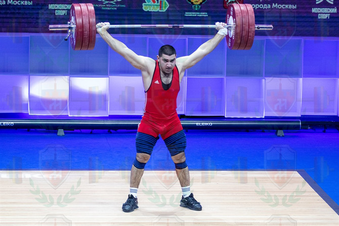 Karen Avagyan  3rd good lift.jpg