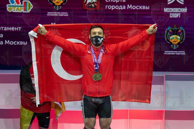 Daniayr Izmaylov gold.jpg