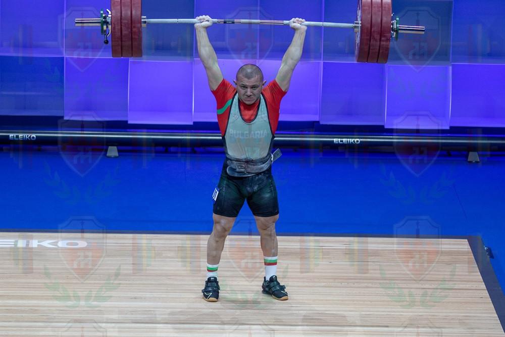 Valentin Genchev 3rd jerk.jpg