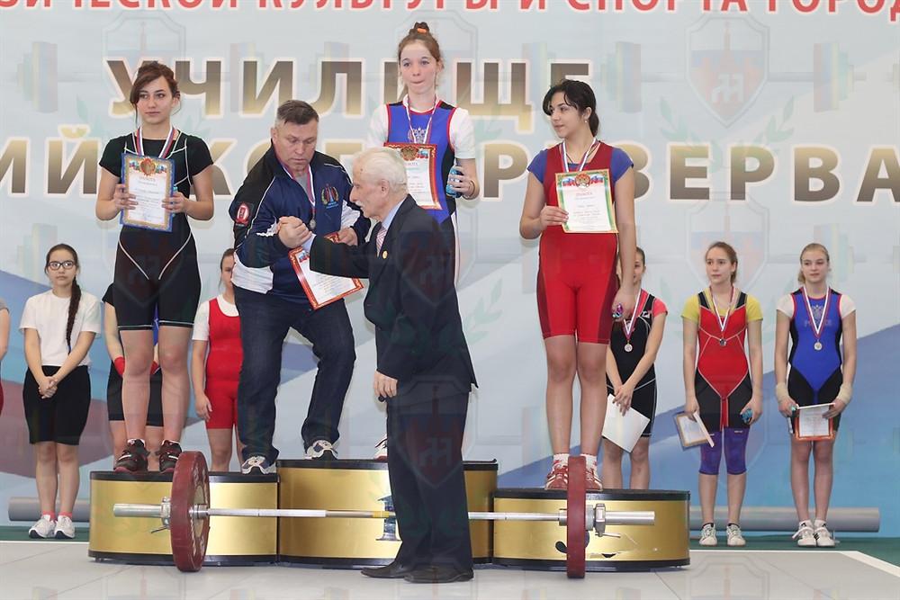 Дмитрий Хрущев и Мария Хохлова принимают поздравления