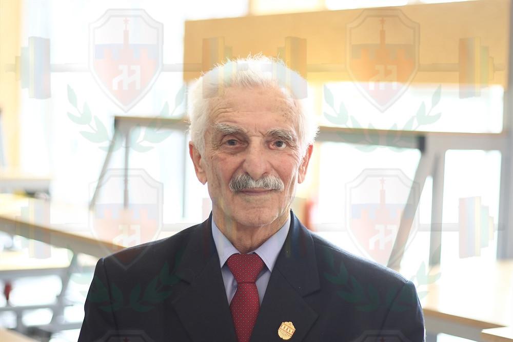 Каракчеев Джумбери Хушутович