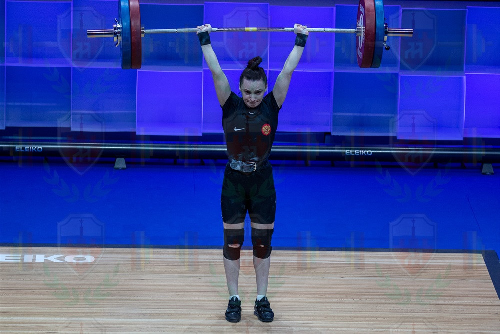 Svetlana_Ershova_2nd_jerk_good_lift.jpg