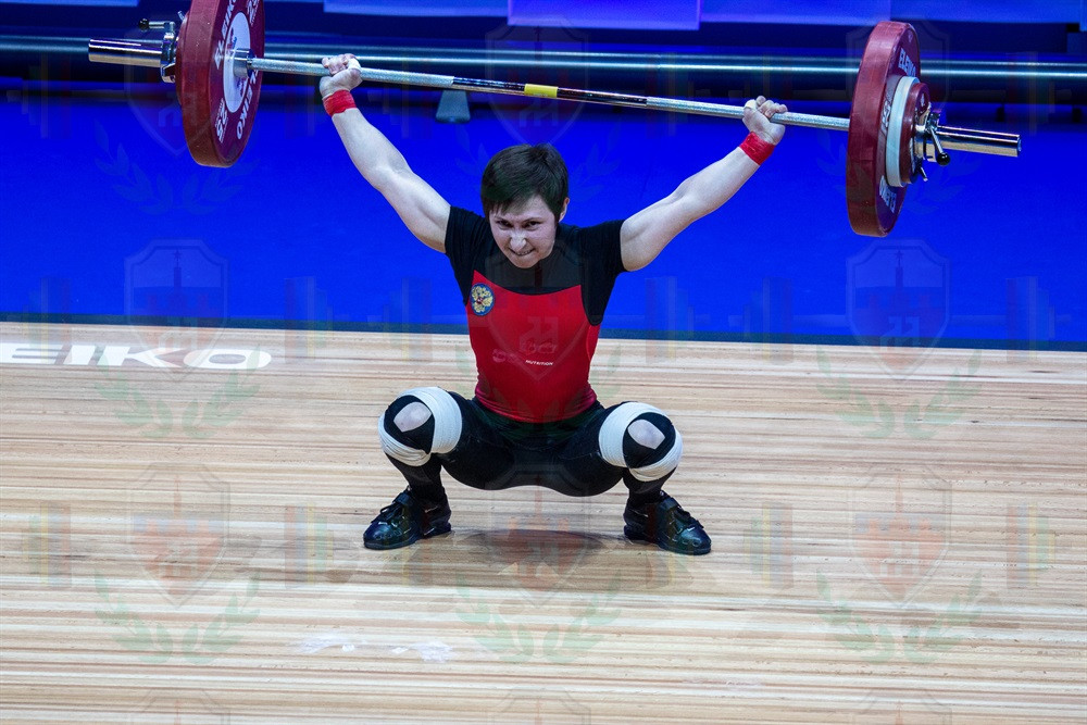 Kristina Sobol good lift.jpg