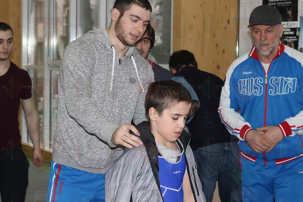 Руслан Балаев переживает за Амина