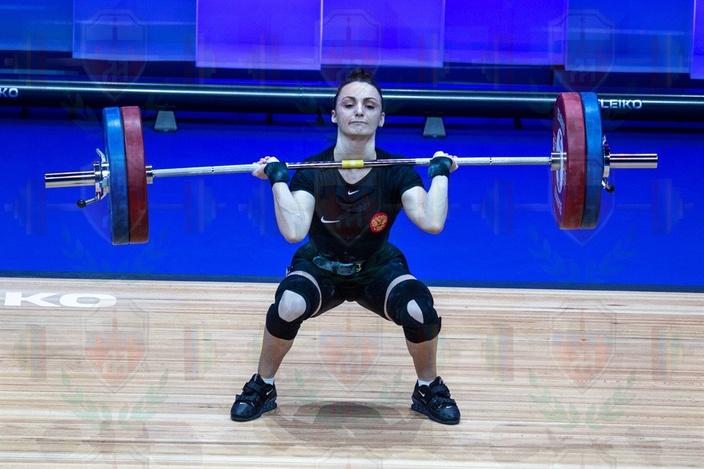 Svetlana_Ershova_jerk_lift.jpg