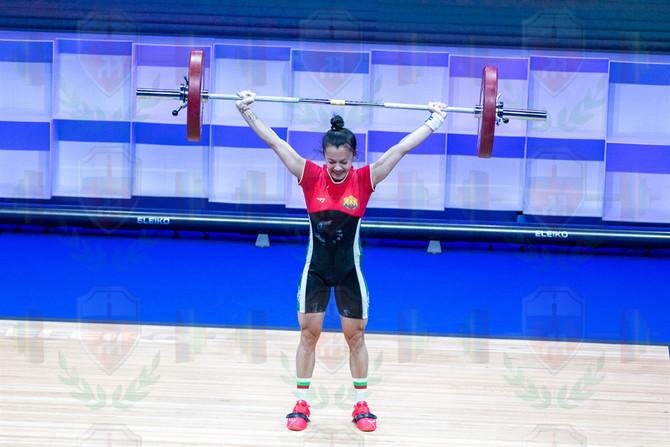 Nadezhda Nguen good lift.jpg