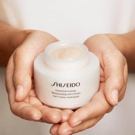 Shiseido_2232_SHOT_2_224_04_web.jpg
