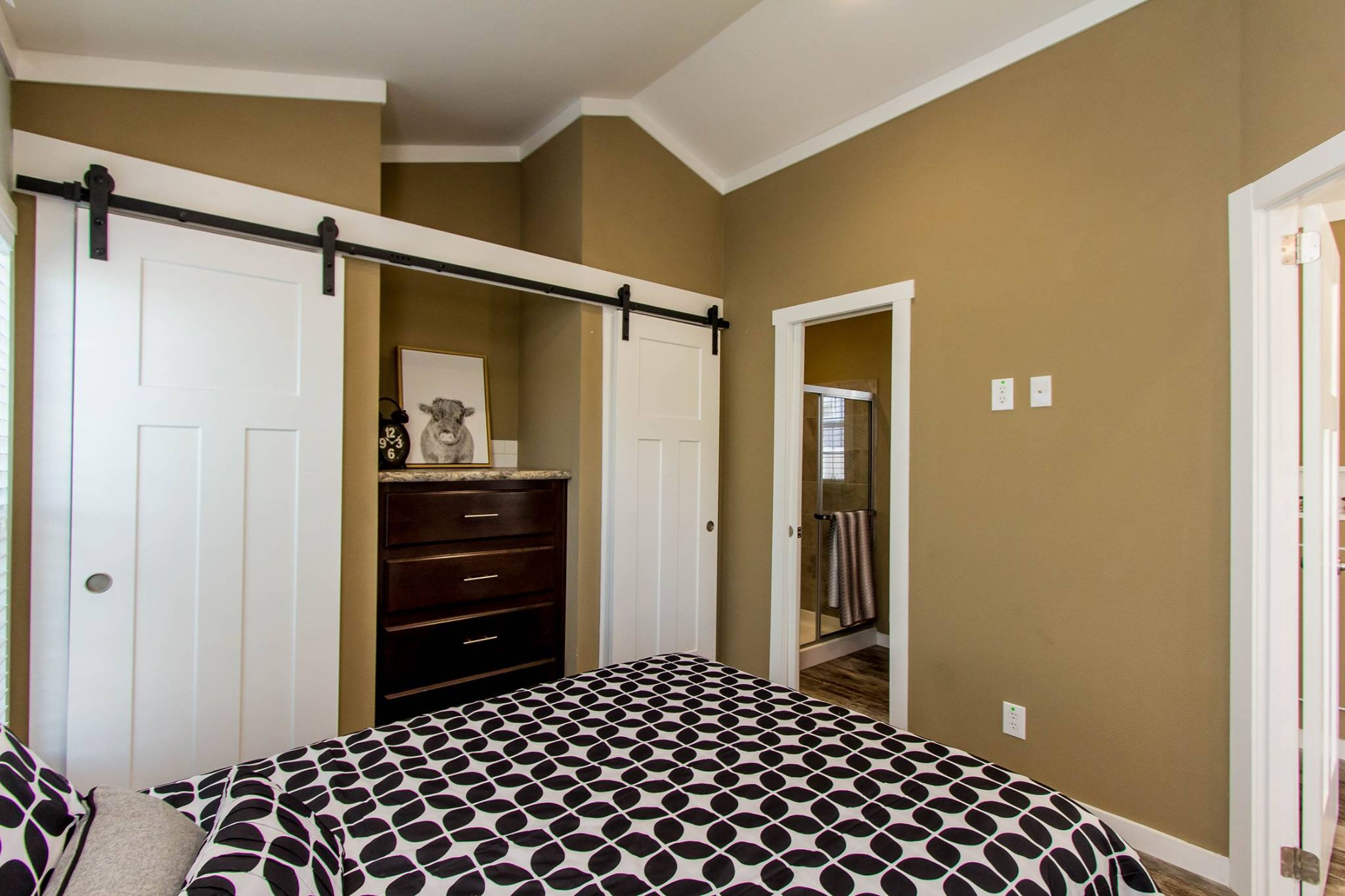 The Destin APH-523 bedroom 3