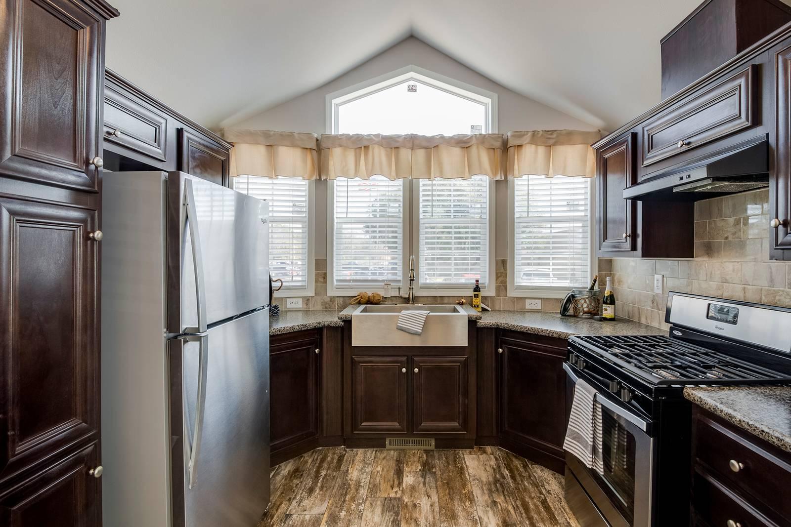 The St. Thomas APH-518 Kitchen