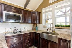 The Destin APH-523 kitchen 3