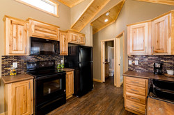 The Everest APH 716 Kitchen 3
