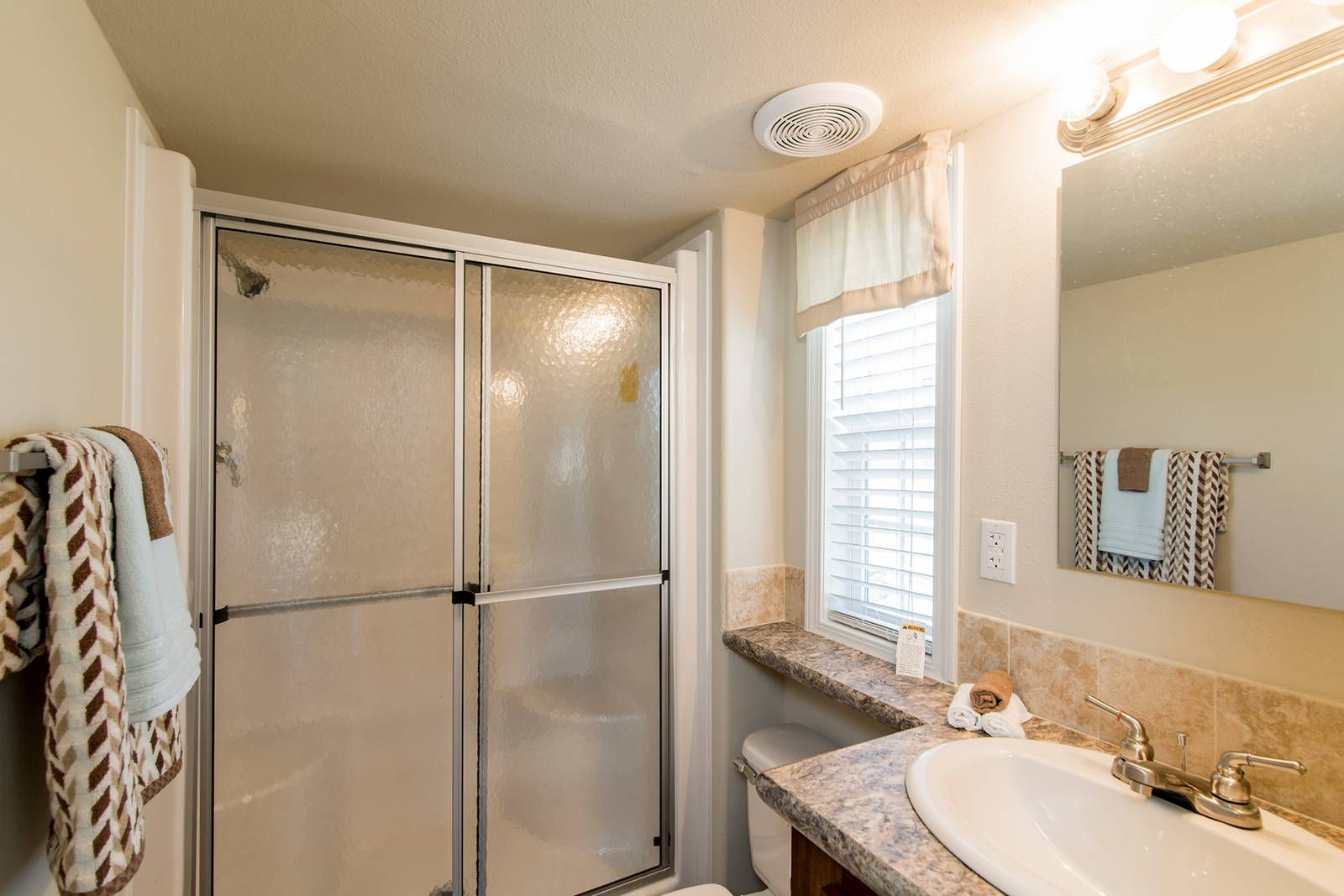 The Charleson APH-522A Bathroom