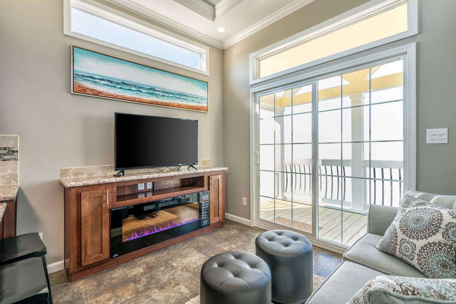 APH 536 living room