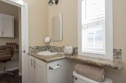 The Malibu APH 505 bathroom 2