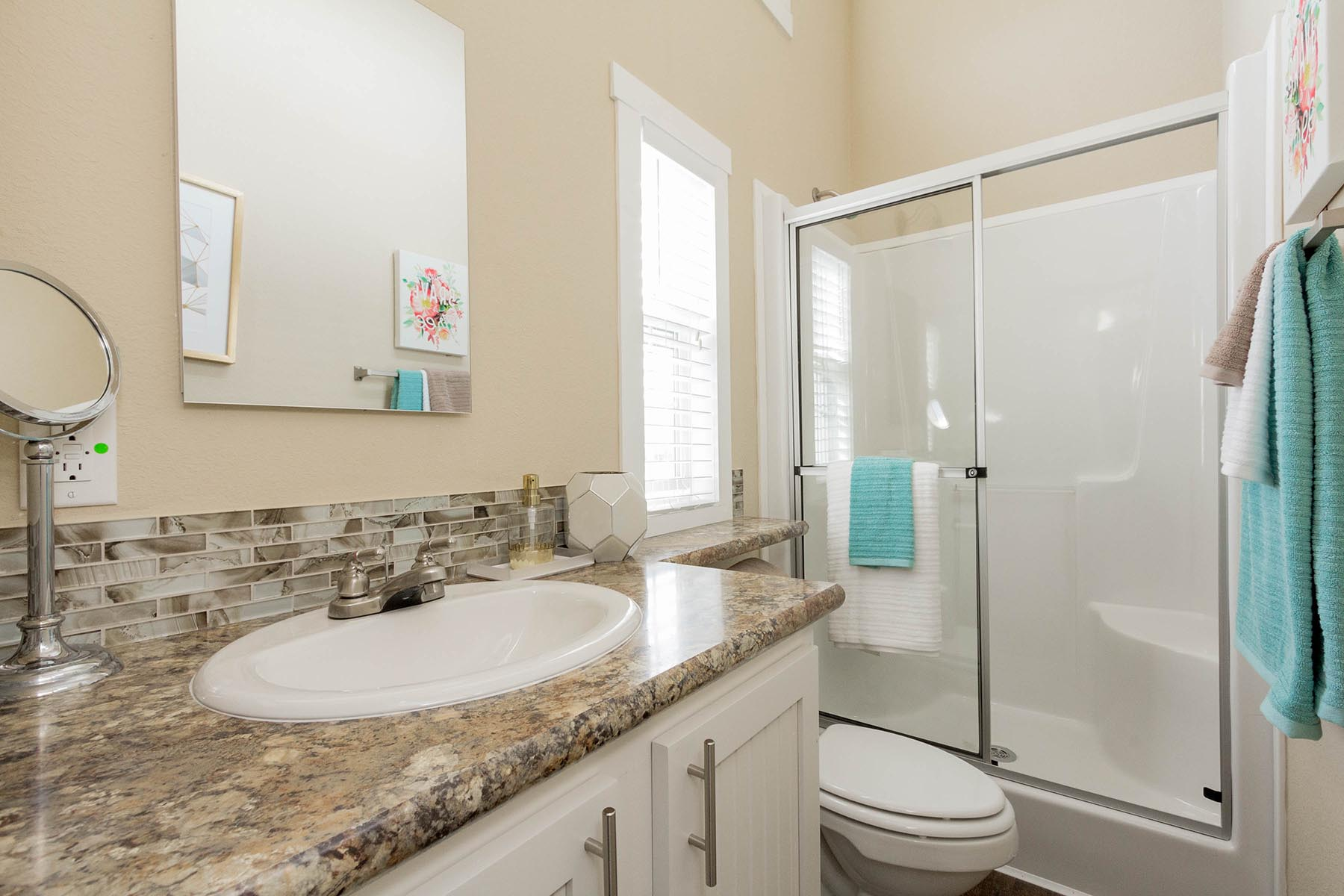 The Malibu APH 505 bathroom 1