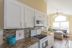 The Malibu APH 505 kitchen 3