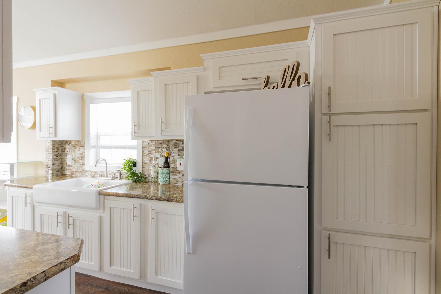 The Malibu APH 505 kitchen 2