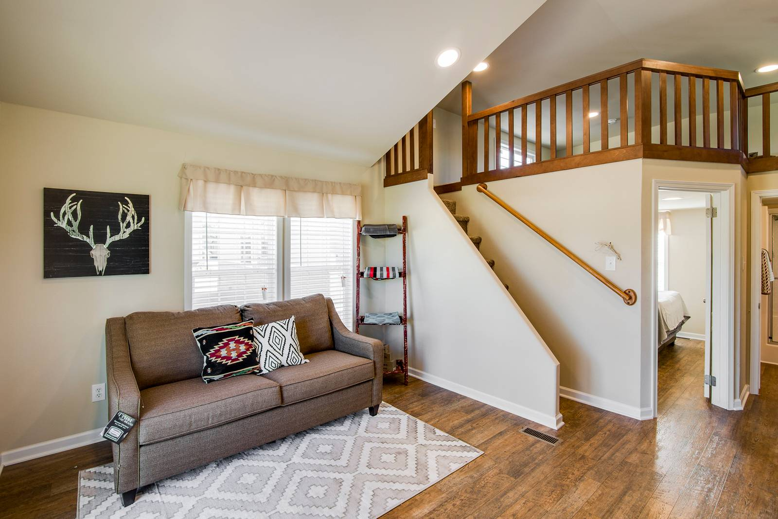 The Charleson APH-522A Living Room 2
