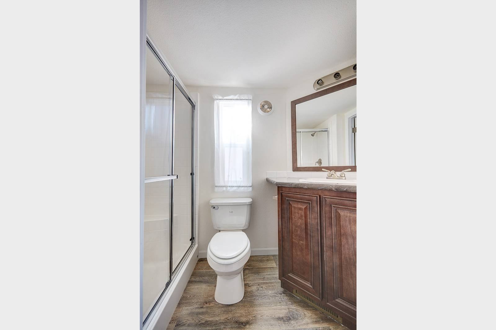 The Caymen APH-509A Bathroom