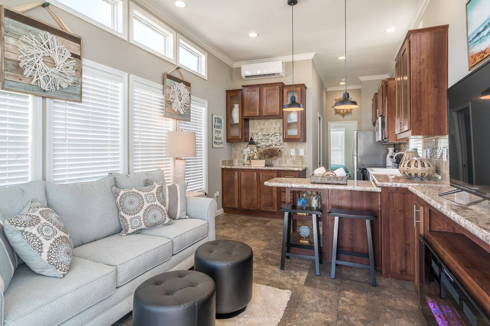 APH 536 living room 3