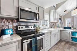 APH 528-kitchen-3