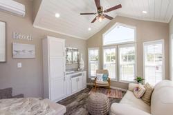 The Laguna APH-527 living room 2