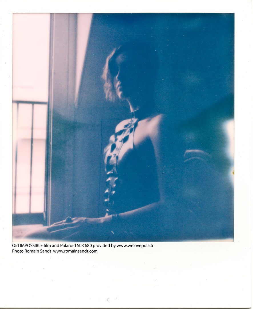 img002_portrait_Roxane_Darlot_Romain_Sandt_copyright_2015_welovepola_location_polaroid