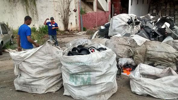 Familias que vivem da reciclagem - acervo pessoal recicla eletro