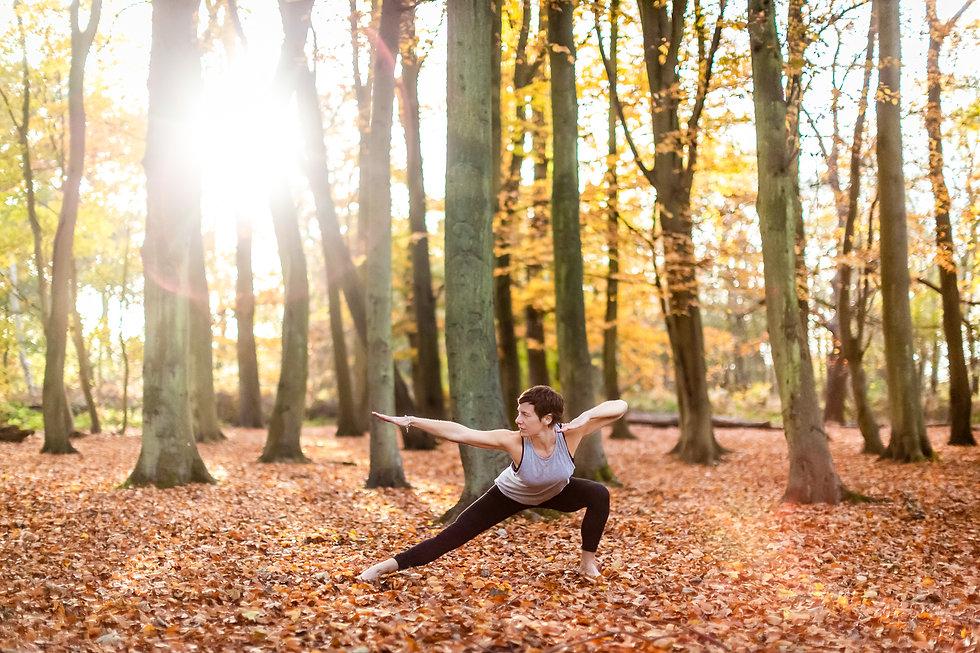 001-pleasecreditwherepossible-eddie-judd-photography-hannah-zone-in-yoga-autumn-webfiles.j