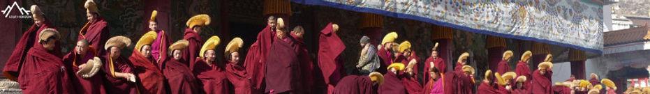 moinesTibétains au monastère de Labrang