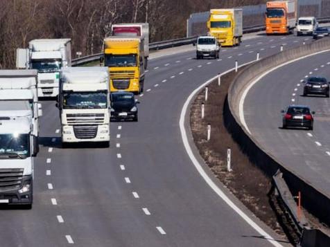 TRASPORTO MERCI - Sospesi i divieti di circolazione dei mezzi pesanti 28 marzo e Pasqua