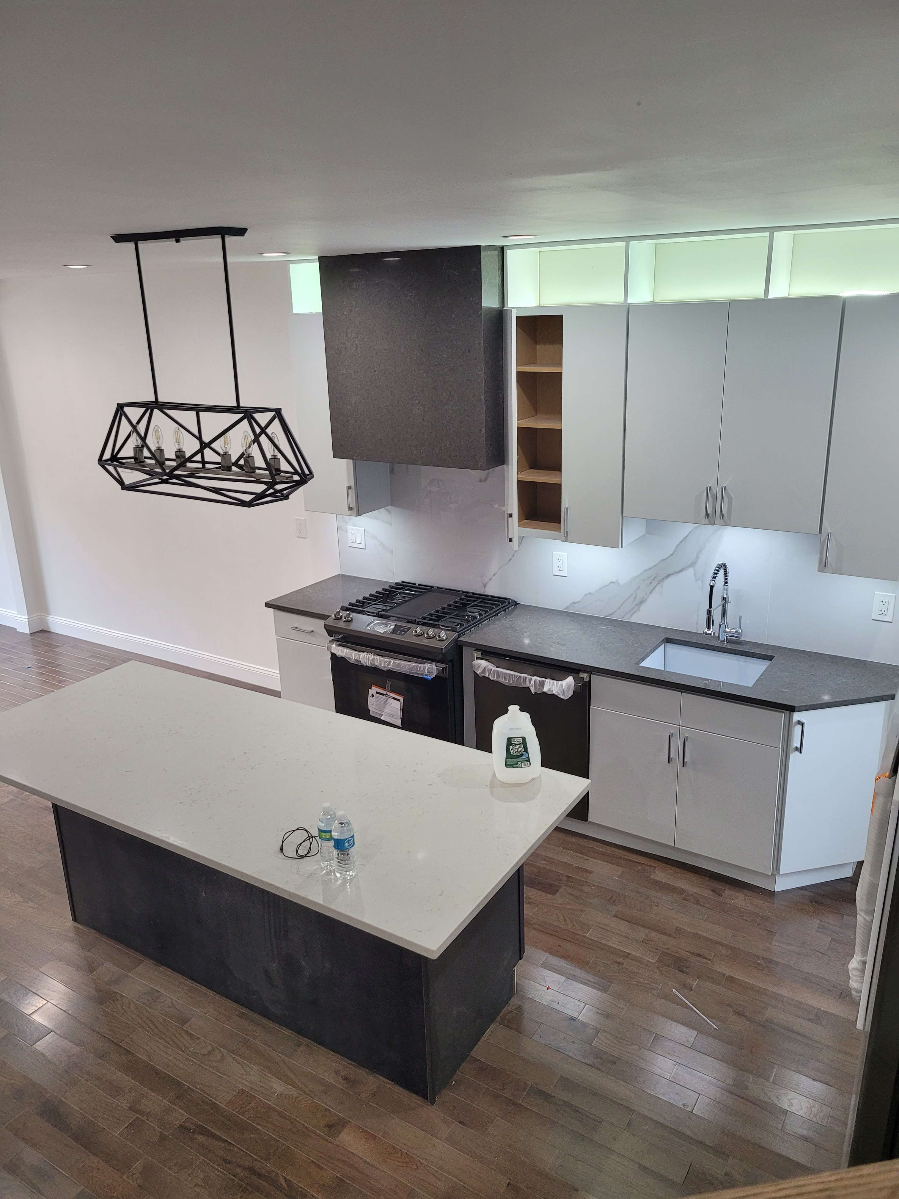 3bed 1 bath ( move in/out)