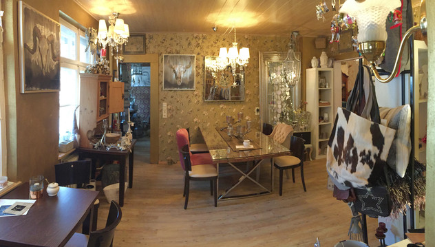 Café Crêperie World of Platzhirsch No 10