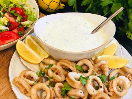 Frittierte Calamari Ringe mit selbstgemachter Kräuter-Aioli (Low Carb & Keto-freundlich)