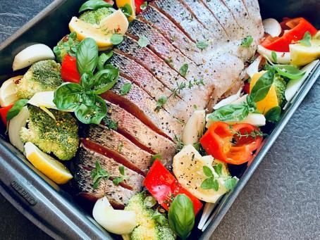 Lachsforelle mit Gemüse aus dem Ofen