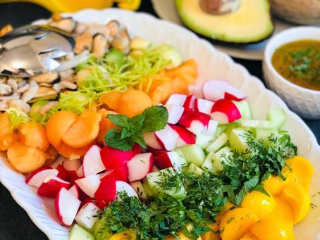 Sommerliche fruchtige Ceviche mit Meeresfrüchte-Cocktail
