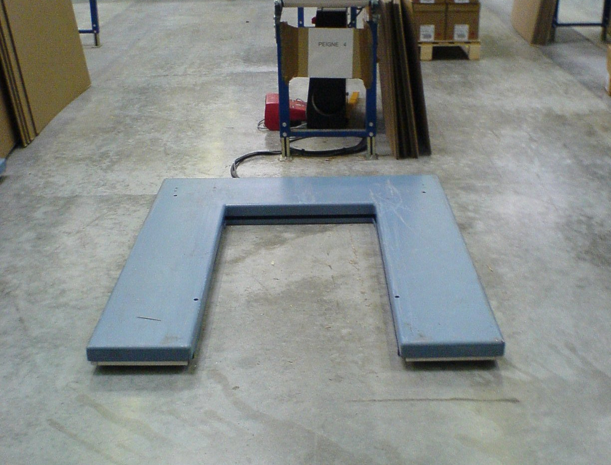 TABLES ELEVATRICES EXTRA BASSE